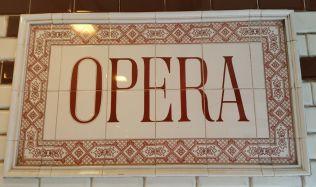 Prohlídka rekonstruované Státní opery přilákala stovky lidí!